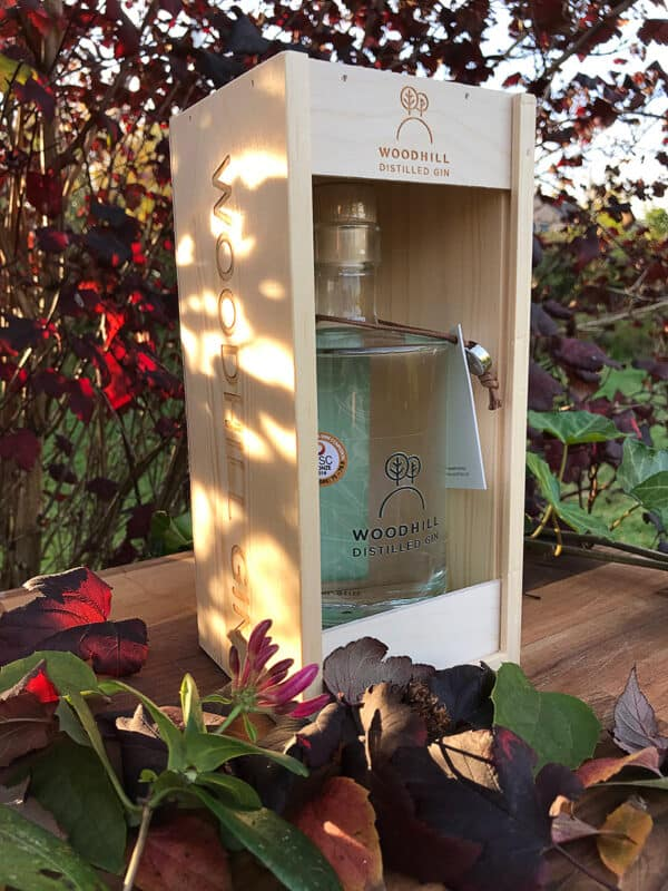 håndlavet gavekasse woodhill gin | Woodhill Gin